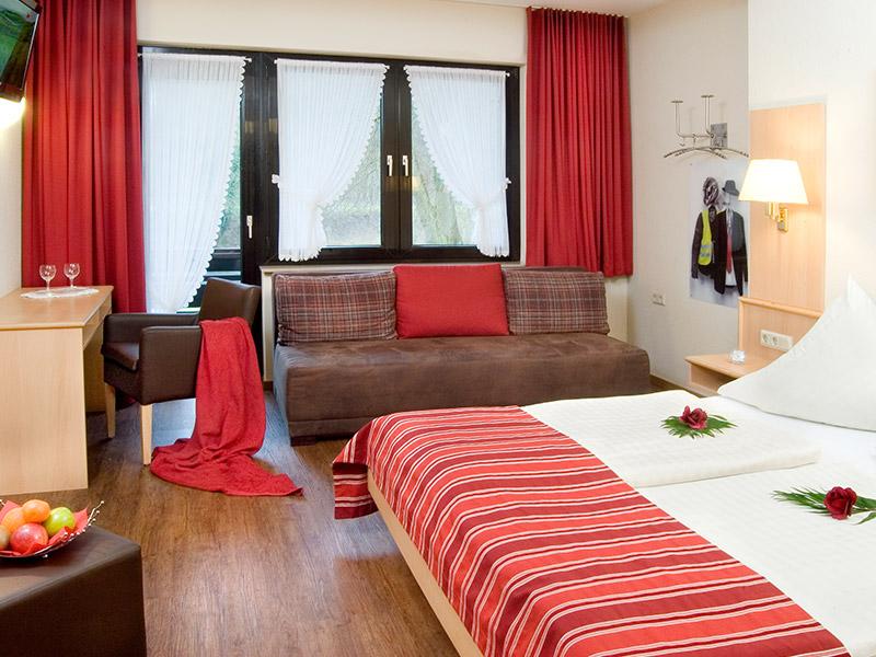http://www.hotel-hauer.de/wp-content/uploads/2016/02/Hotel_Hauer_Room_06_2017.jpg